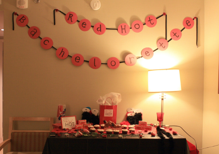 Plan Your Bachelorette Party the Right Way with Great Gifts and Party Favours
